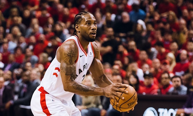 Leonard stars as Raptors claw back with win over Bucks