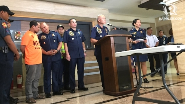 TERROR ALERT. Philippine National Police officials led by Director General Ronald dela Rosa (3rd from left) give a press conference on the arrest of a Maute Group member on March 21, 2017. Photo by Bea Cupin/Rappler