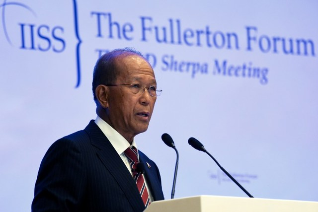DEFENSE CHIEF. Philippine Defense Secretary Delfin Lorenzana addresses the Fullerton Forum at the Shangri-La Dialogue Sherpa Meeting in Singapore on January 23, 2017. File photo by Roslan Rahman/AFP