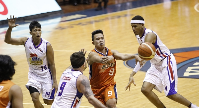 91788853492 Baser Amer continues to fill up the stats sheet as Meralco remains alive