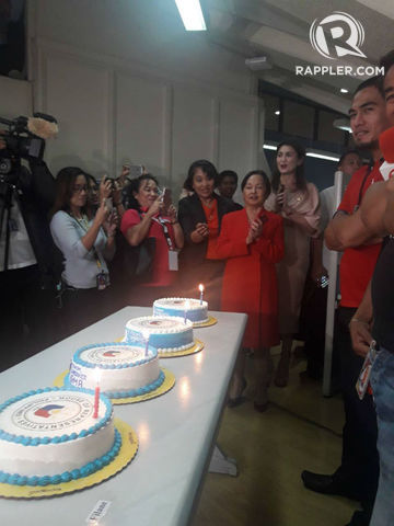 Magnificent Look Arroyo Gives Birthday Cakes To House Journalists Funny Birthday Cards Online Sheoxdamsfinfo
