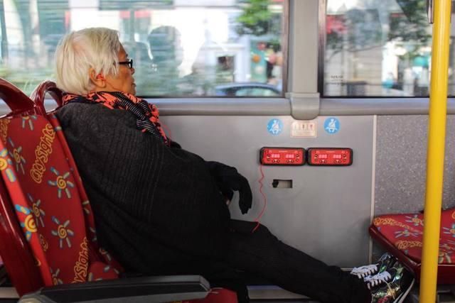 Nenek penulis saat bepergian di Paris, Prancis. Foto oleh Don Kevin Hapal.