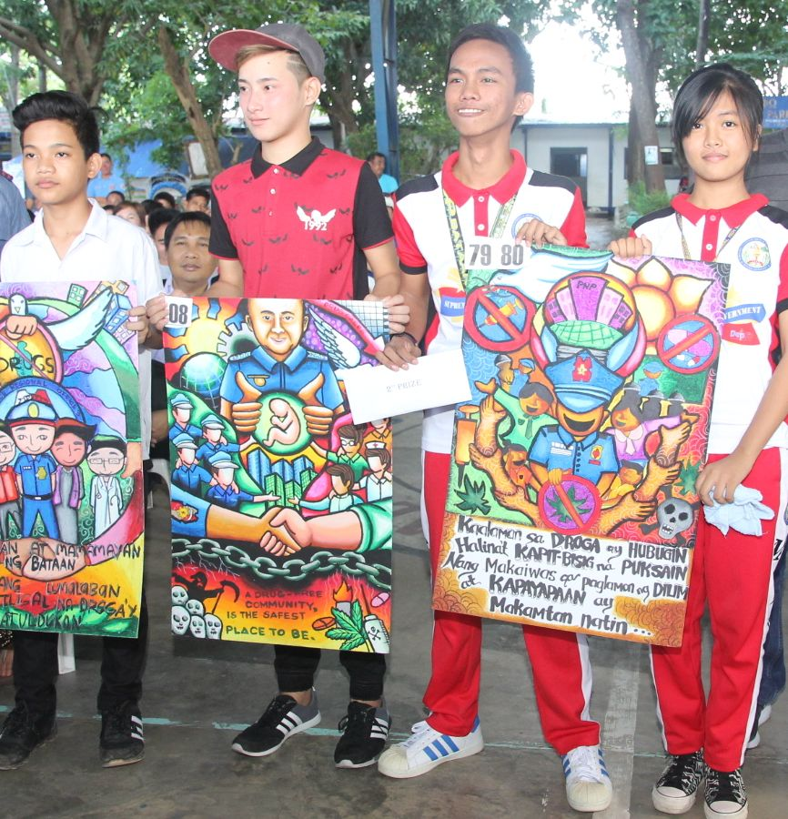 In Bataan, slogans, posters also used in fight vs drugs