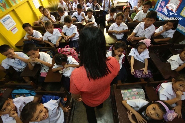 POOR PERFORMANCE. Takers of the Licensure Examination for Teachers have been performing badly in the last 10 years. File photo by Joel Liporada/Rappler