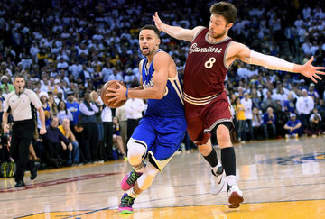 quality design 76521 5d80e Warriors thump Cavaliers in NBA Finals rematch on Christmas Day