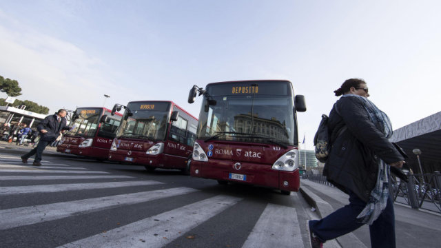 Italy mayor wants separate buses for Roma people
