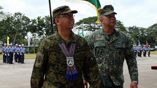 NEW CHIEF. Westmincom Chief Carlito Galvez Jr (left) will be the new AFP chief of staff. File photo by Richard Falcatan