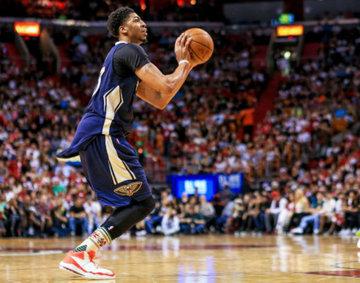Pelicans' Anthony Davis sprains ankle in Beijing pre-season game