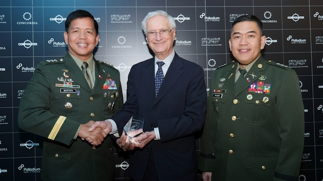 HALL OF FAME. The Philippine Army is inducted into the Palladium Balanced Scorecard Hall of Fame. Photo from the Philippine Army