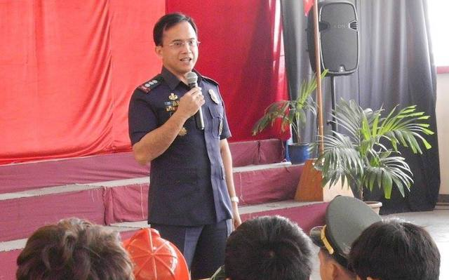 NEW SPOKESMAN. This photo shows Senior Superintendent Benigno Durana at a speaking engagement. Photo courtesy of Leaders International Christian School of Manila