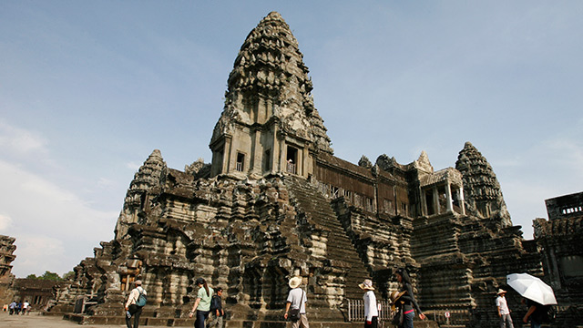 French Tourists Arrested For Nude Photos At Cambodias Angkor-5929