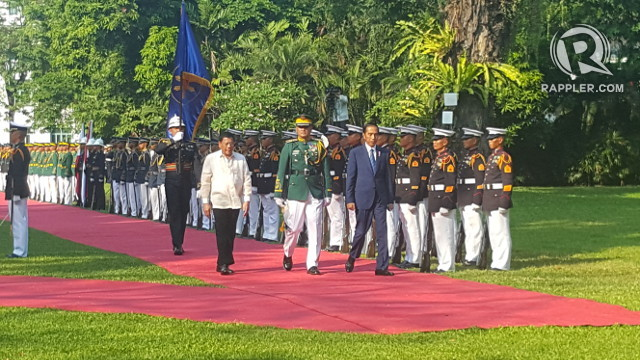 PARTNERS VS TERRORISM. President Rodrigo Duterte welcomes President Joko Widodo at Malacañang. Photo by Pia Ranada/Rappler