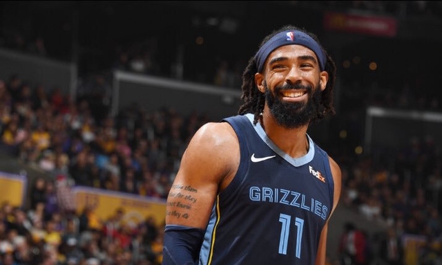 Grizzlies trade Mike Conley to Jazz for 3 players, 2 picks