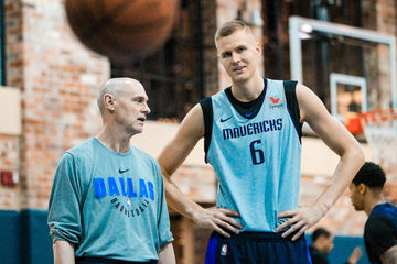 reputable site 115f4 4c166 Mavs want Porzingis, Doncic for long haul