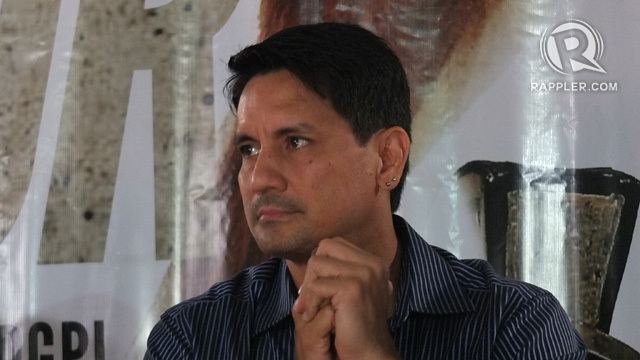 Richard Gomez On Bench Naked Truth Issue No Need To Say -8757