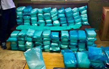 Police And Philippine Drug Enforcementcy Operatives Seize Packs Of Suspected Shabu From