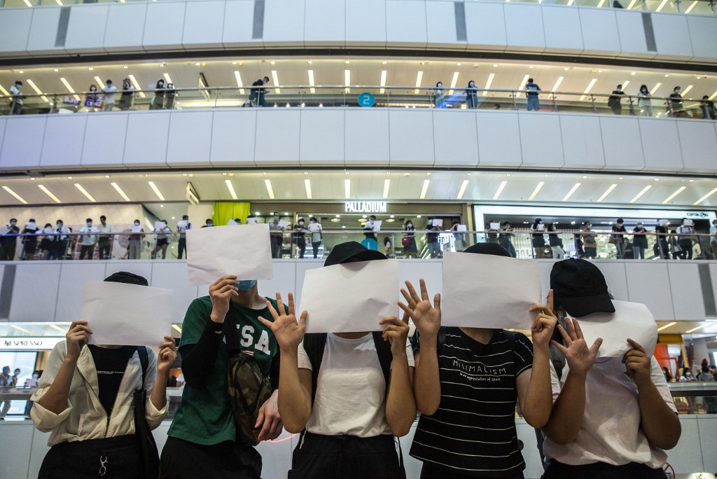 Hong Kong protesters let sheets of blank paper do the talking - Rappler