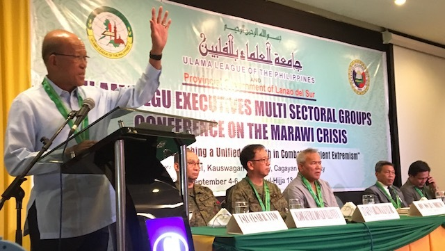 ULAMA CONFERENCE. Defense Secretary Delfin Lorenzana and high-ranking generals discuss Marawi rehabilitation with the Ulama League of the Philippines. Rappler