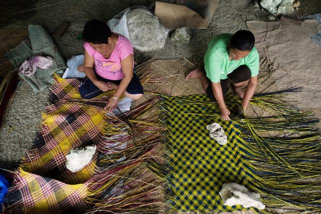 The Women Weavers Of Basey