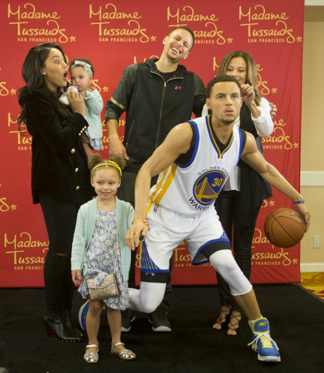 9a2c494092d9 Stephen Curry wax figure unveiled by Madame Tussauds
