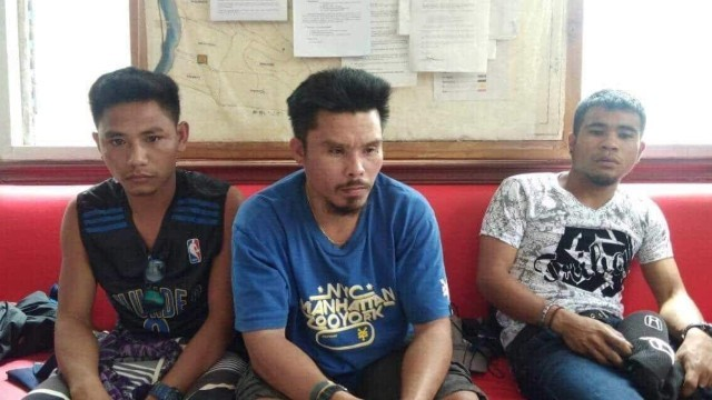 ARMED. Three armed men are arrested by Cebu police in Badian town. Photo courtesy of Police Regional Office-7