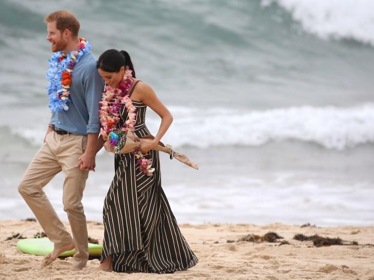 e100a31ee Royals Harry and Meghan go barefoot on Bondi