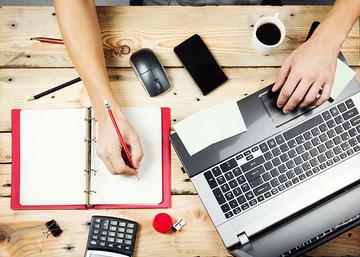 laptop-desk-shutterstock-20150209_E4D7EA5286F742E1A100A03C1483F9D6.jpg