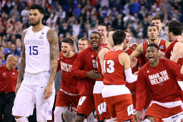 7418343c457 NCAA: Wisconsin ends Kentucky's bid for undefeated season