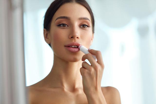 Image result for 6 Tips Memilih Make-up Untuk Kulit Sensitif!