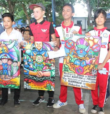 In Bataan Slogans Posters Also Used In Fight Vs Drugs