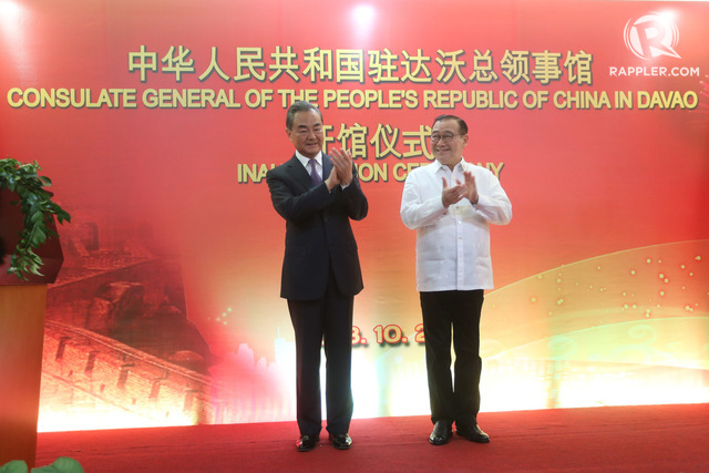 TOP DIPLOMATS. Chinese Foreign Minister Wang Yi and Philippine Foreign Secretary Teodoro Locsin Jr pose for photographs during the opening of the Chinese consulate in Davao City on October 28, 2018. Photo by Manman Dejeto/Rappler