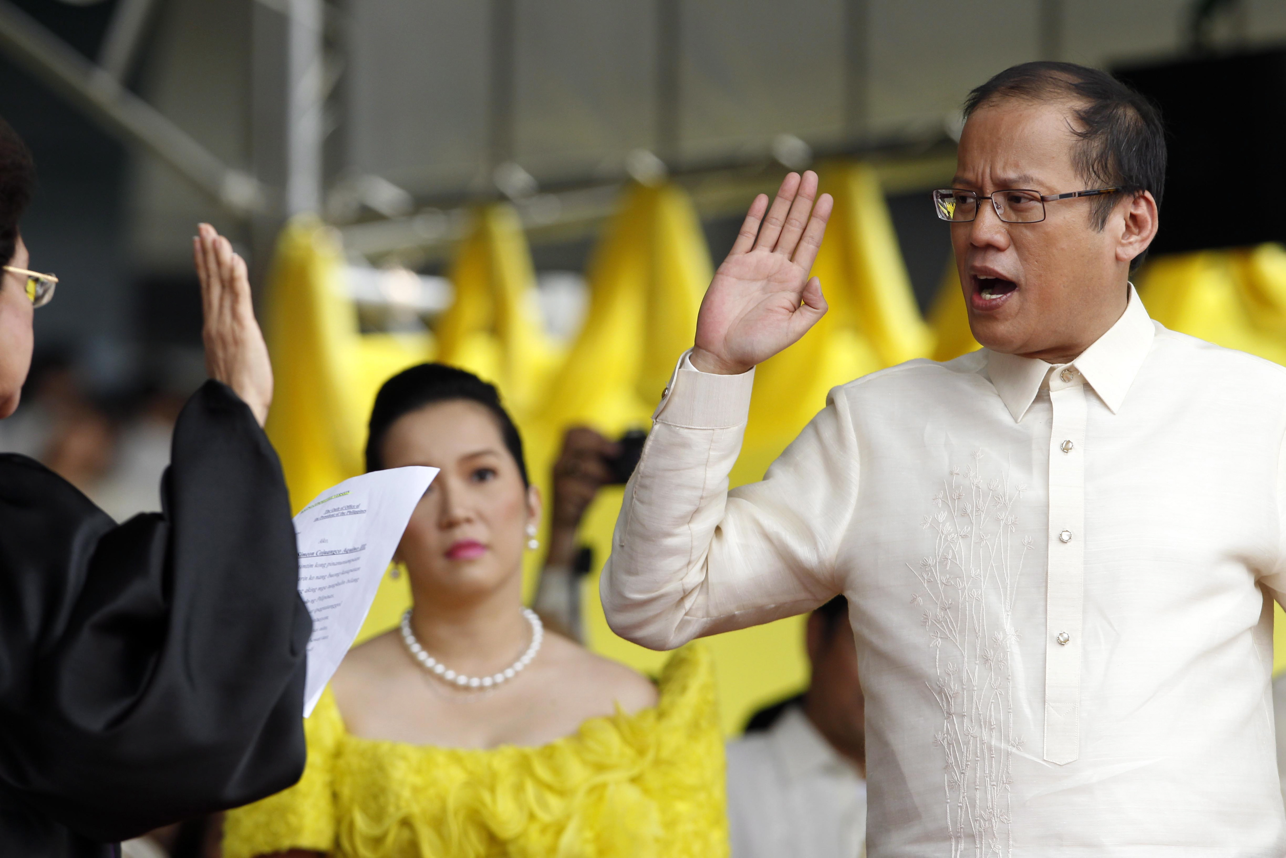 leadership style of president noynoy aquino It may be debatable but rodrigo duterte's spectacular win can be summed up as the country's clamor for true leadership in government the lack of lead yet again, noynoy aquino failed to provide tangible leadership as for the rest of duterte's leadership style is that of the authoritative leader he can.