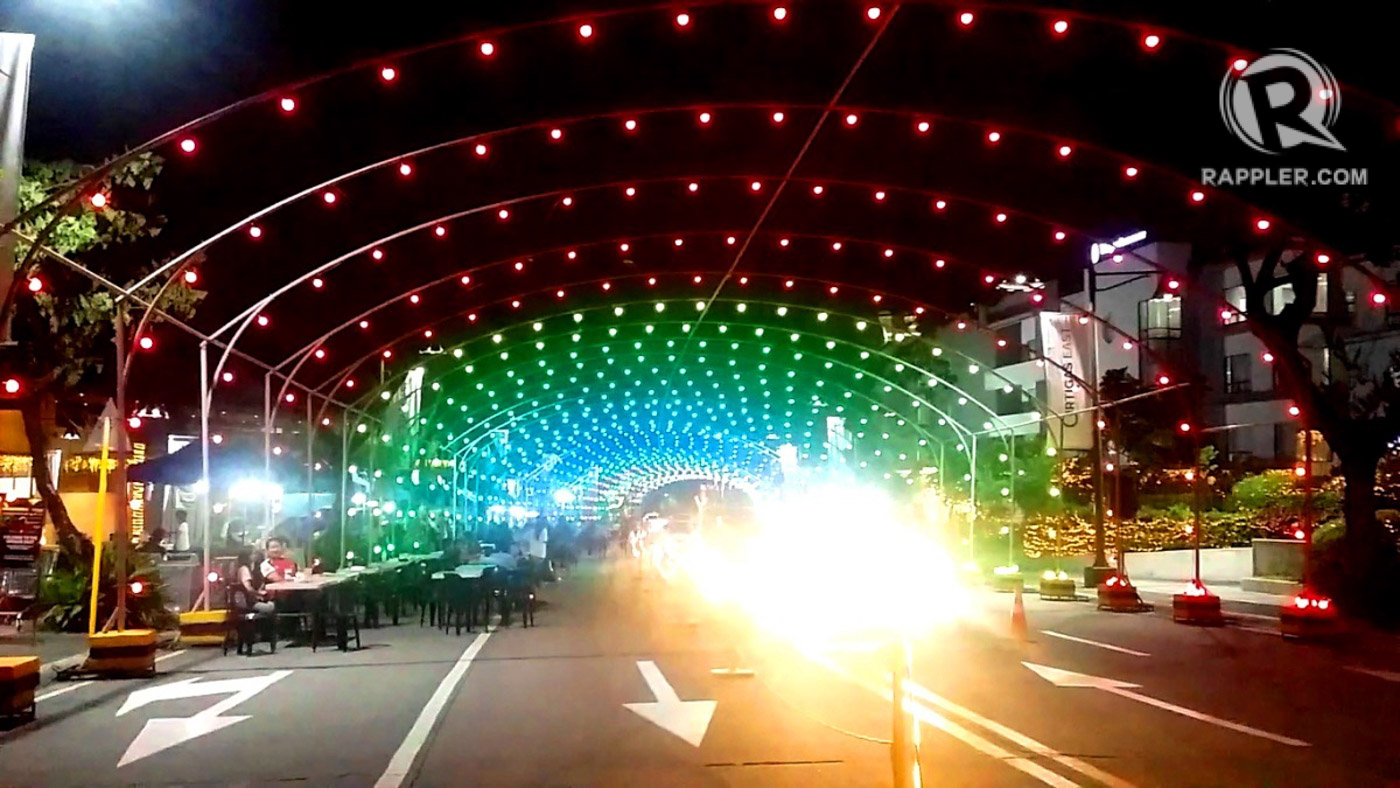 look 7 magical christmas light and sound shows to catch until the new year