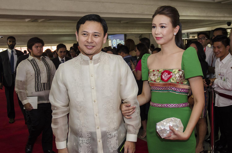 In Photos Sona Fashion Before Duterte Vs Now