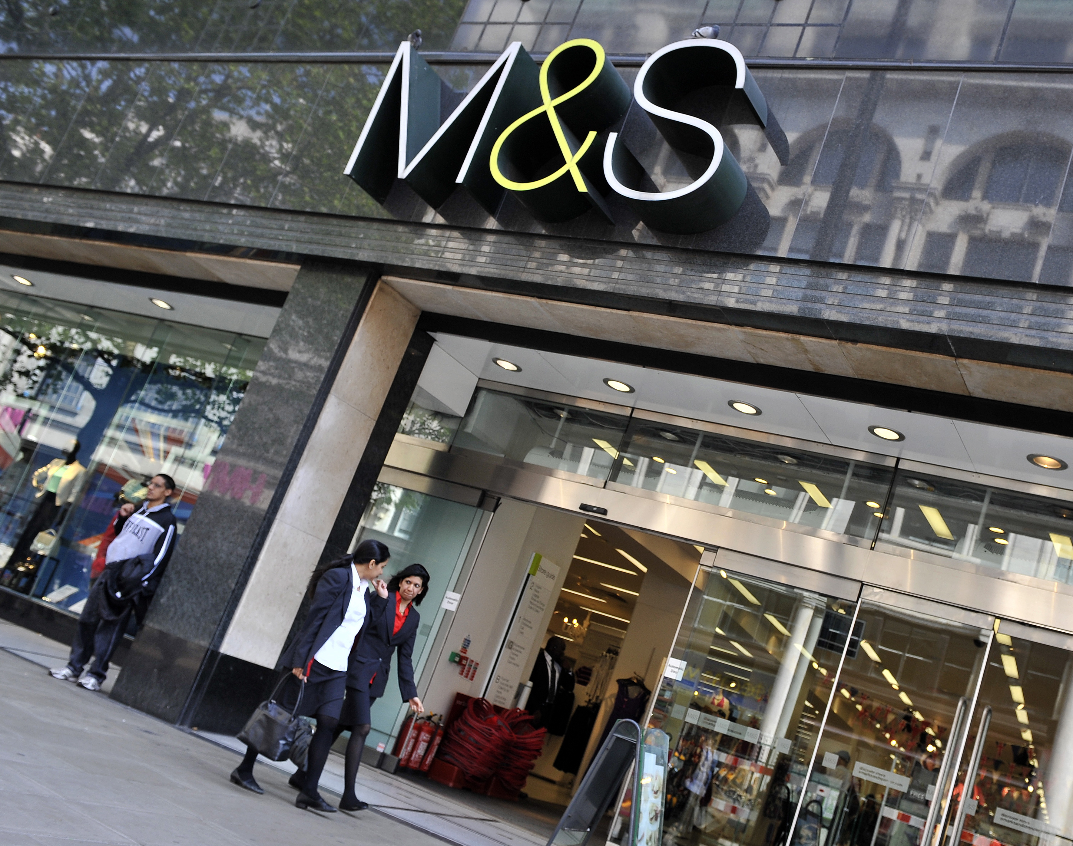 what are the problems facing marks and spencer Marks & spencer help - frequently asked questions about marks & spencer.