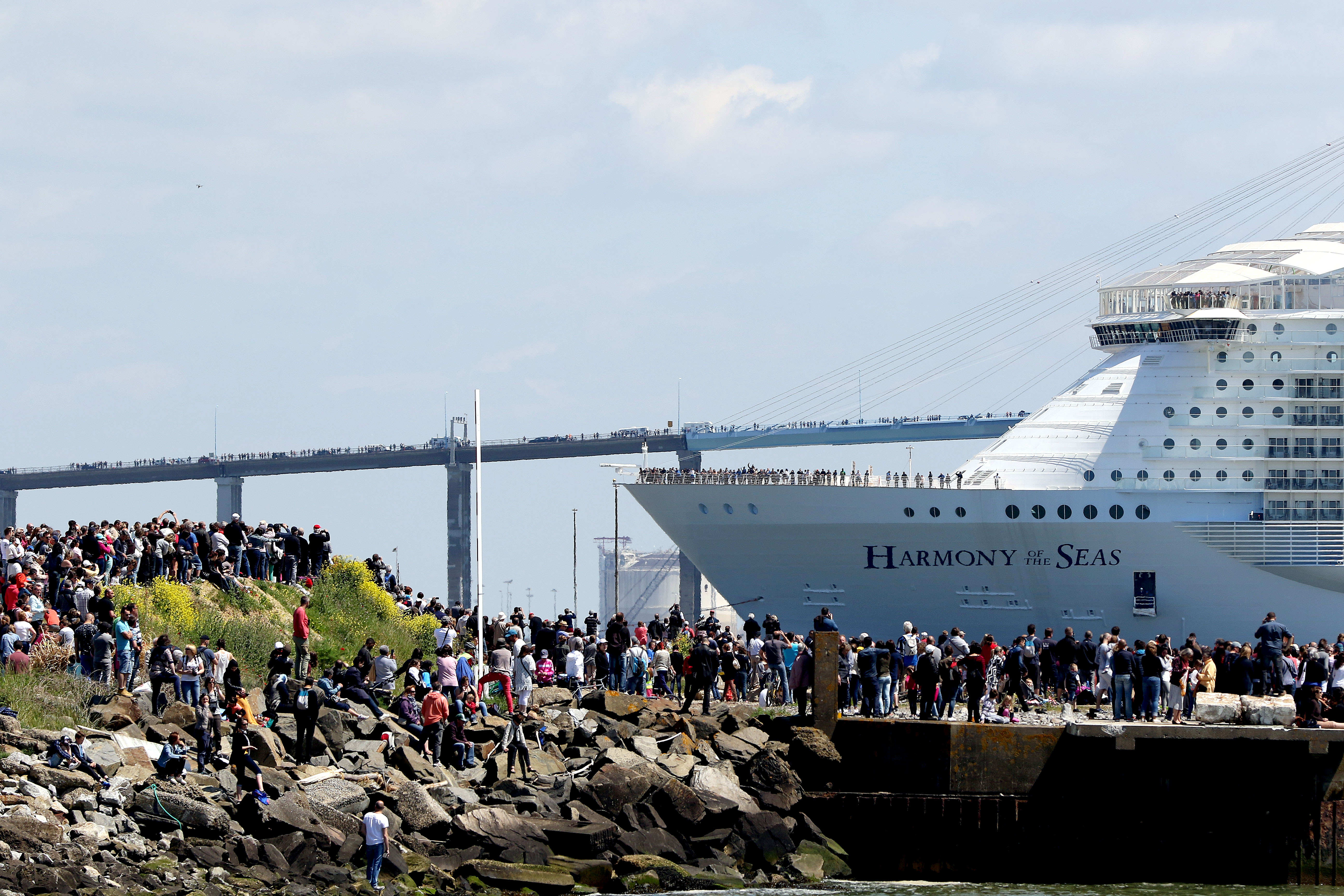 Massive crowd sees off world's largest cruise ship in France