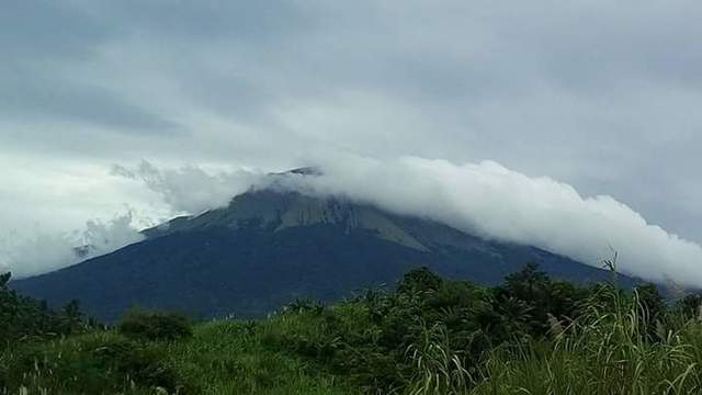 MOUNT KANLAON. A view of Mount Kanlaon from La Castellana town, Negros Occidental, on November 17, 2017. Photo courtesy of Rollanie Redil