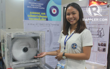 TEEN INVENTOR. Angel Palma with her eco-friendly AirDisc. Photos by Rhaydz Barcia/Rappler