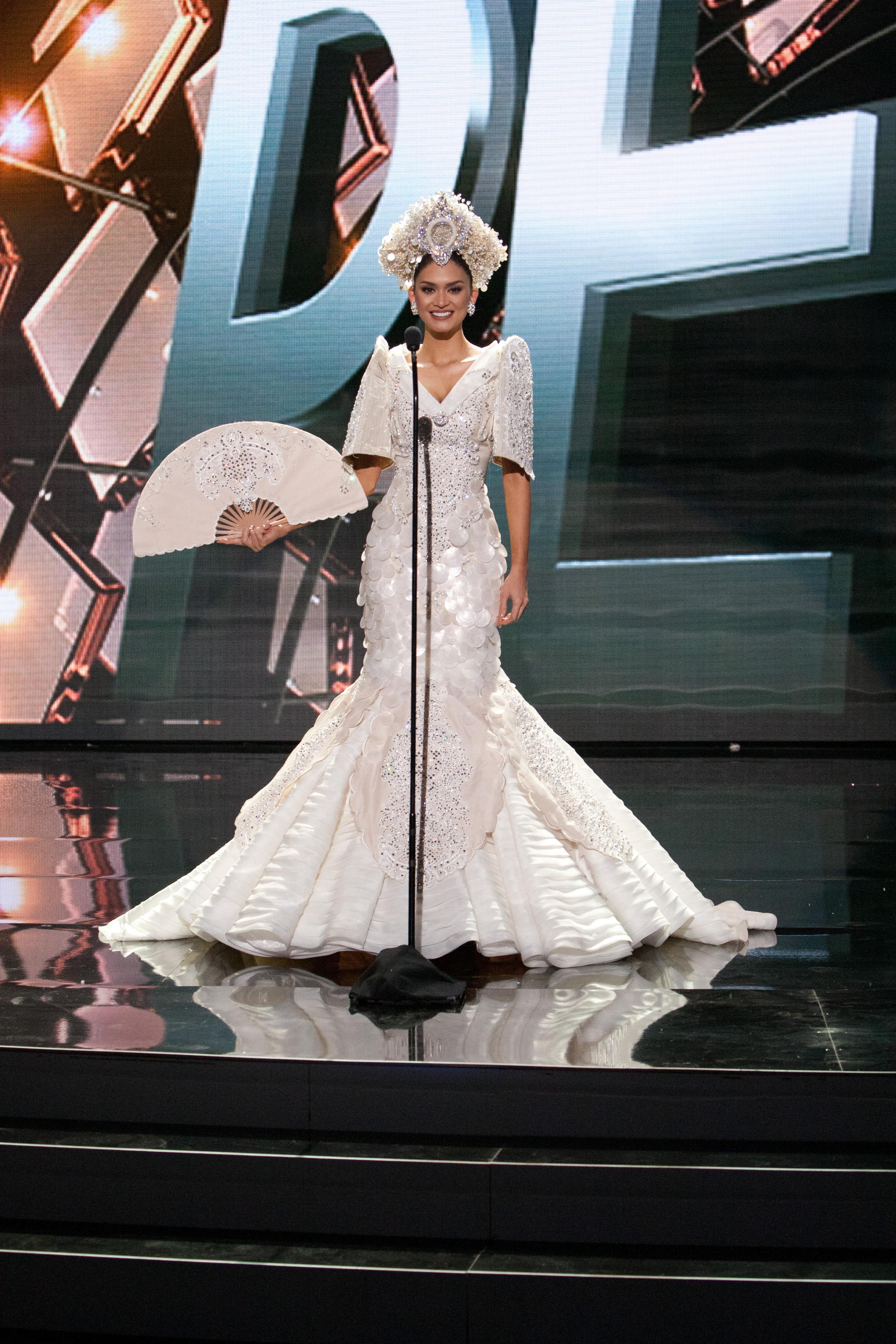 Look Miss Universe Ph 2015 Pia Wurtzbach S National Costume