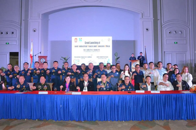 NO TO MILITANT LABOR. Police and economic zone offiicals – led by PNP chief Lieutenant General Archie Gamboa, Brigadier General Rhodel Sermonia, PEZA Director Charito Plaza, and Secretary Carlito Galvez at  the launch of JIPCO at Clark Freeport Zone in Pampanga. Photo courtesy of PRO3 PIO