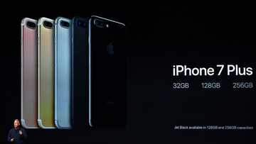 8a149f8fde7 The phones come in 32, 128, and 256GB variants. File