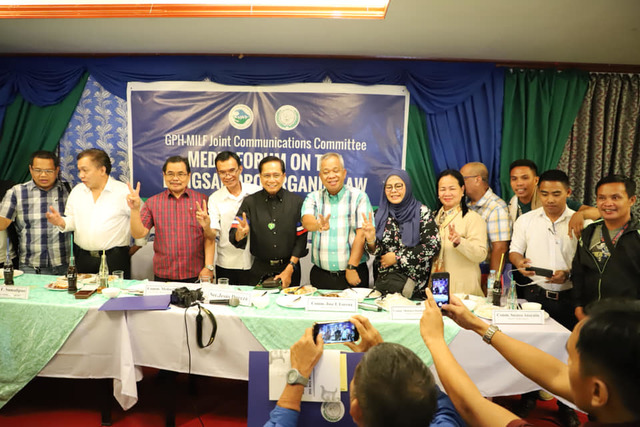 CAMPAIGN. Officials from the MILF and government call on the public to participate in the Bangsamoro plebiscite as its campaign period kicks off on December 7, 2018. Photo courtesy of the Office of the Presidential Adviser on the Peace Process