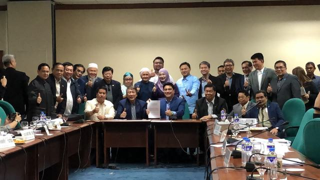 APPROVED. The bicameral conference committee approves the final version of the Bangsamoro bill, which will now be up for President Rodrigo Duterte's signature. Photo by Mara Cepeda/Rappler