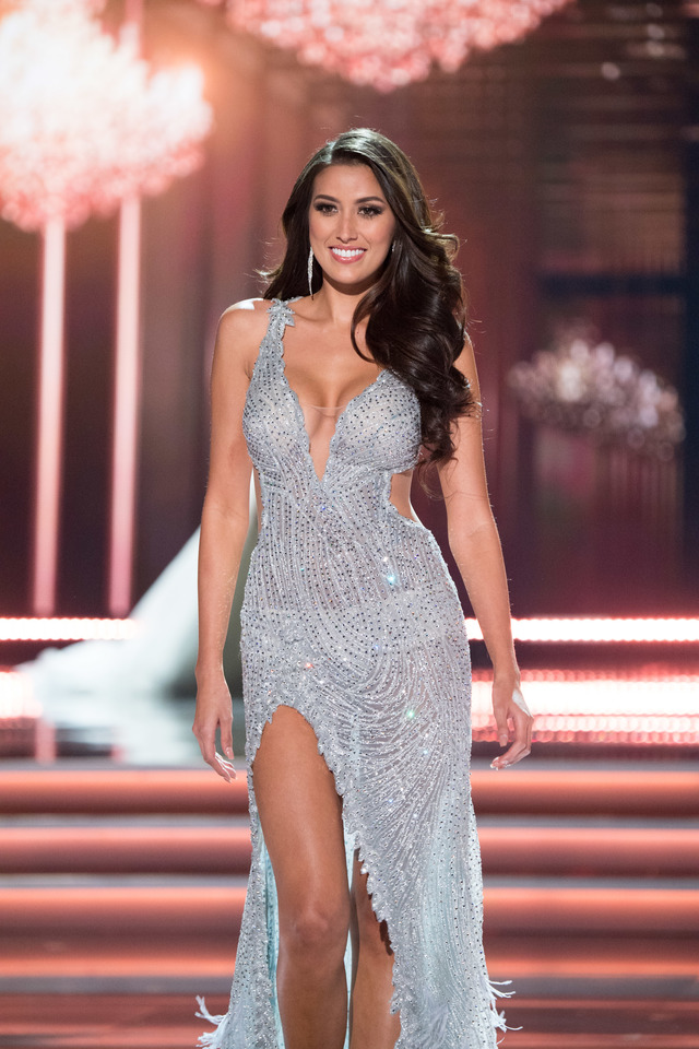 VAL TAGUBA NUMBER. Miss Universe Philippines 2017 Rachel Peters walks on stage in Val Taguba during the evening gown competition at the Miss Universe 2017 in Las Vegas, USA. Photo from the Miss Universe Organization
