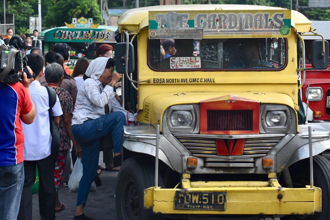 Jeepney Drivers In More Parts Of Ph Seeking Fare Hike