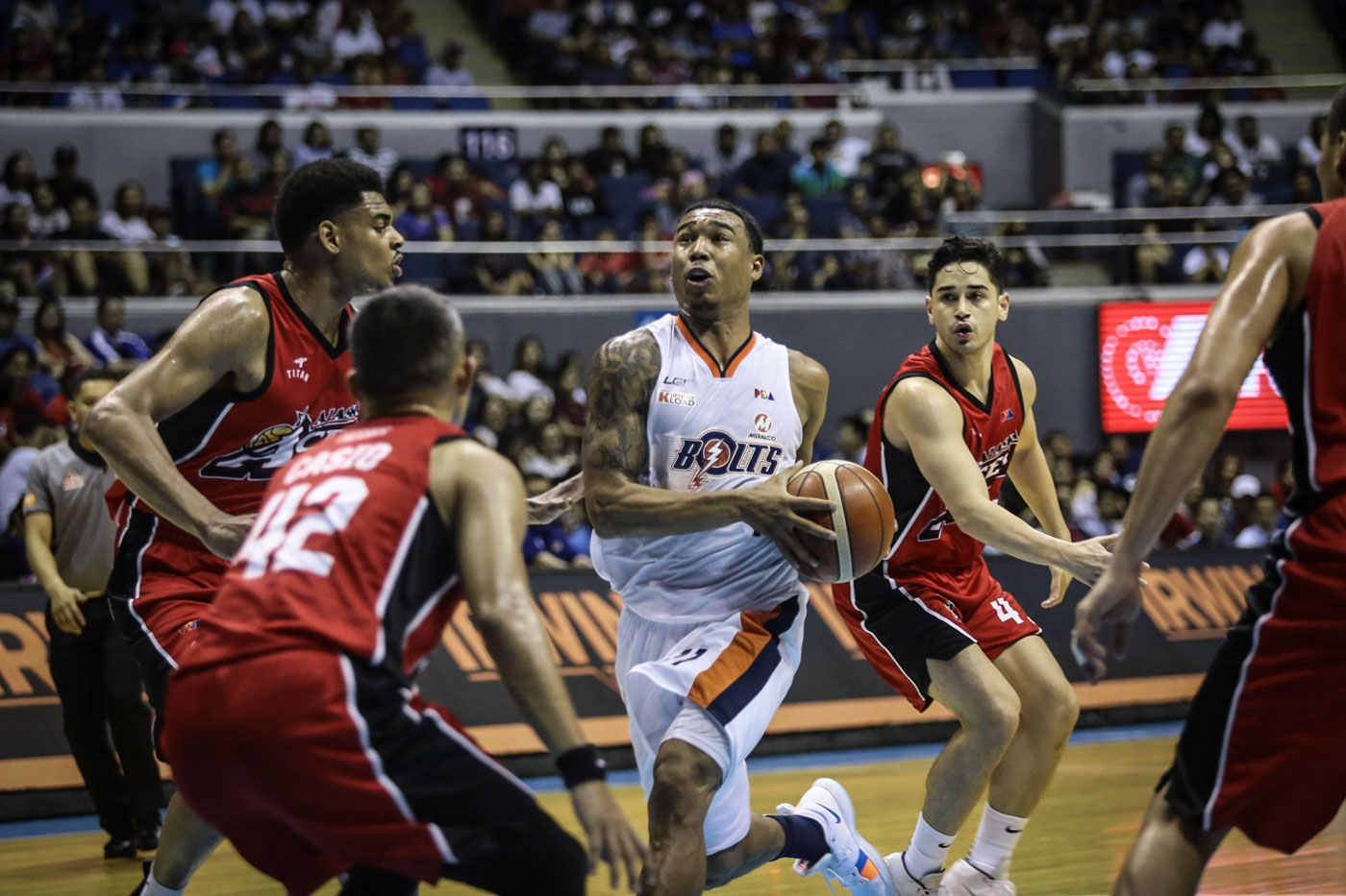 87d98d4998c Chris Newsome paces the Meralco Bolts with 18 points, 8 assists and