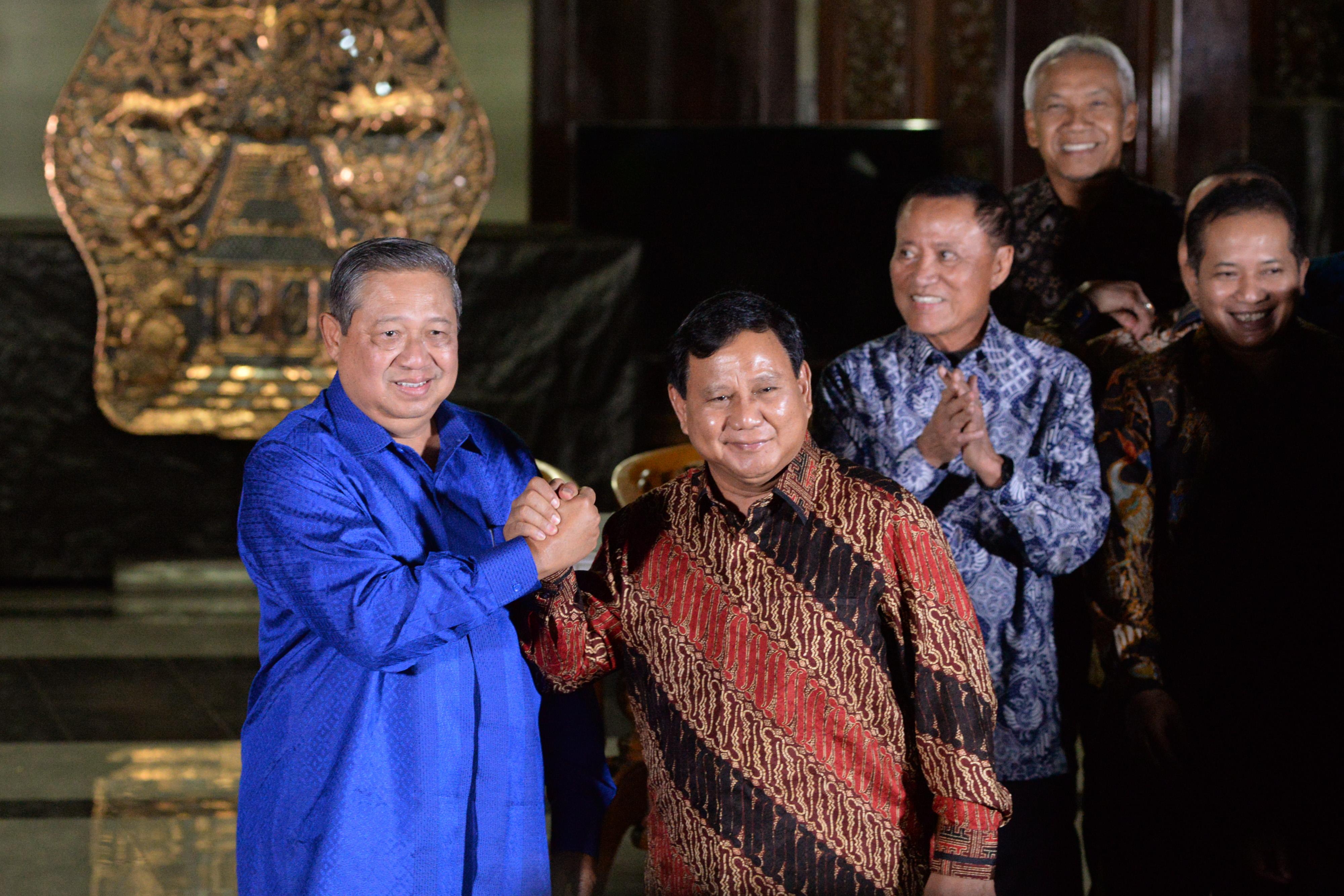 Hasil gambar untuk PERTEMUAN PRABOWO - SBY