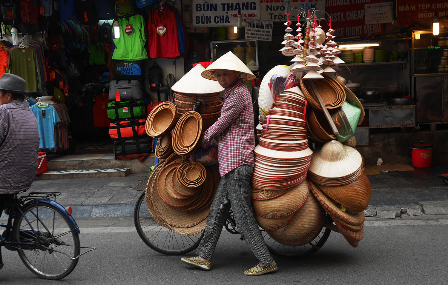 [Vietnam travel guide] Hanoi: The chaos and charms of the capital