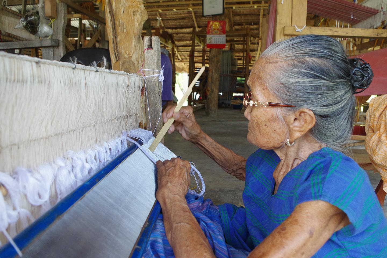 Ilocano National Living Treasure creates Marcos' death shroud