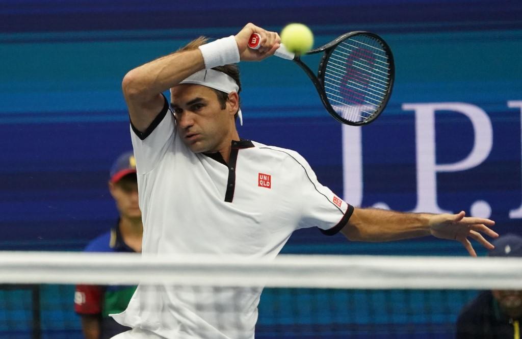 ผลการค้นหารูปภาพสำหรับ Roger Federer pulls out of French Open after knee surgery
